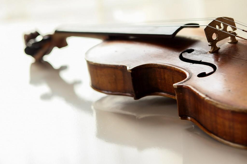 violin-background