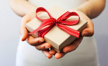 Gift-Giving-425x260.34965845_std