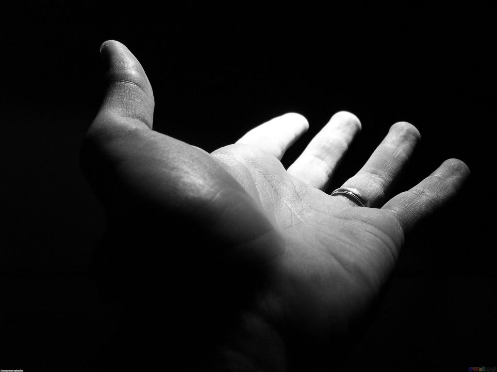 helping_hand_2592x1944