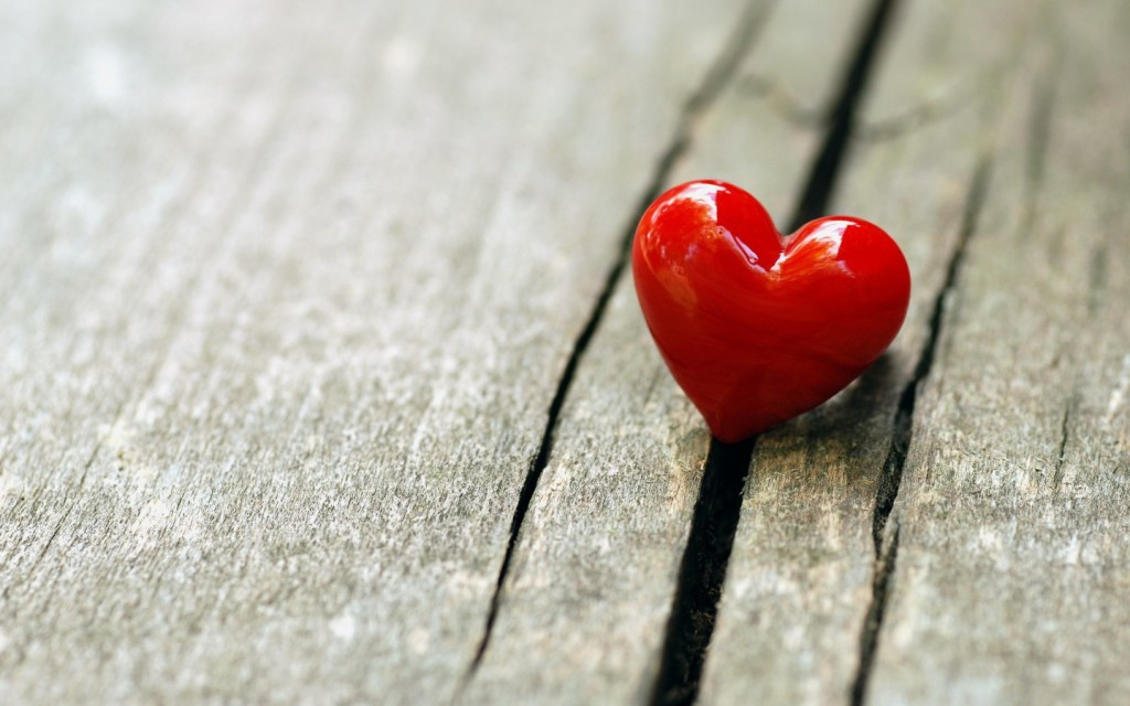With-Heart-HD-Wallpapers-1440x900