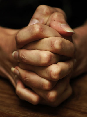 folded-hands-praying