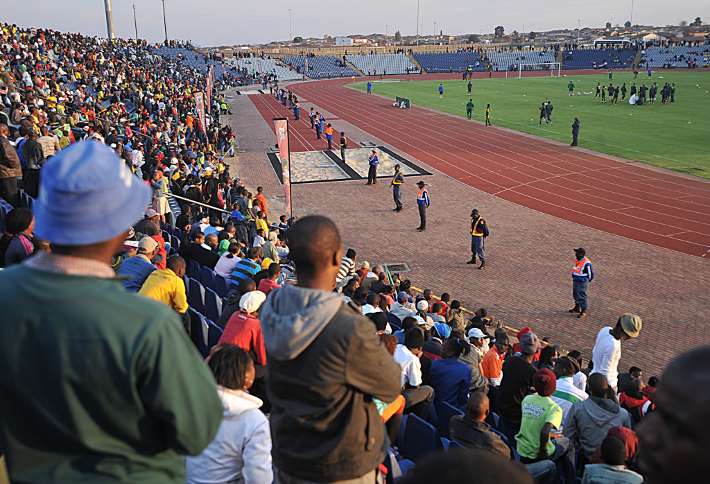 Spectators_watching_Brazil_national_football_team_train_at_Dobsonville_Stadium_2010-06-03_3