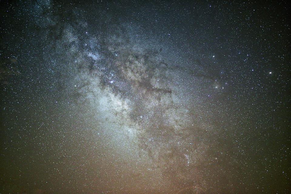 astronomy-1850461_960_720