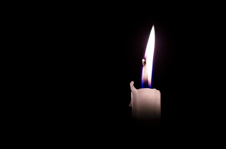 candle-1899626_960_720