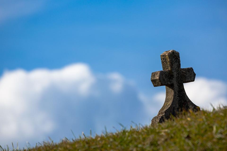 grave-674443_960_720